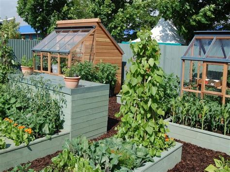 Small Vegetable Garden Design For Small House Making Guide Small Garden Idea