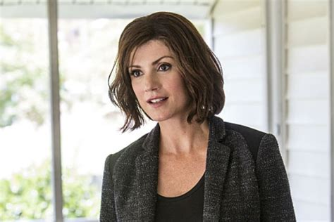 zoe mclellan haircut ncis new orleans star zoe mclellan talks brody s new