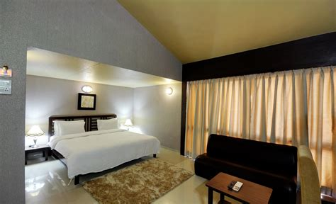 rooms for couples looking for affordable accommodation at luxurious resort hotels in silvassa surat weekend