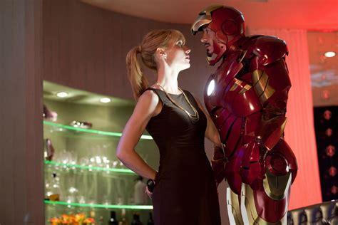 Iron 2 Pepper Potts Desk by Gwyneth Paltrow And Robert Downey Jr Hd Wallpaper