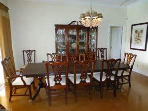 thomasville mahogany dining room claw feet table and