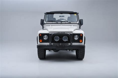 buy car manuals 1997 land rover defender 90 buy used 1997 land rover defender 90 extremely rare alpine white 63 000 miles perfect in