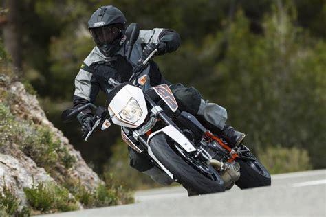 Ktm E Motorrad Test by Ktm Test Einzylinder 690 Duke