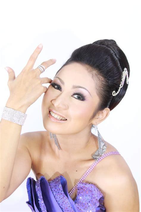 Make Up Citra Citra Ria Kdi Trend Make Up Dan Sanggul 2011 Oleh Crrante