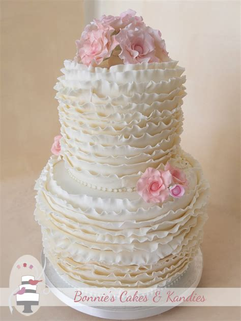 Wedding Cake Gold Coast by Ivory Ruffles For A Gold Coast Wedding Cake Bonnie S
