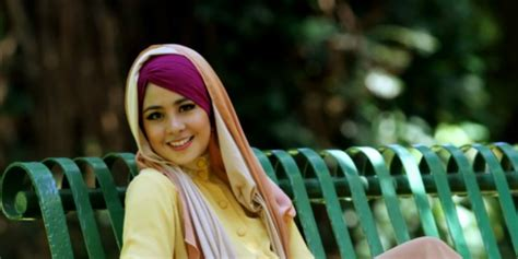 new tutorial hijab pashmina risty tagor hijab tutorial hijab simpel ke kantor versi risty tagor dream