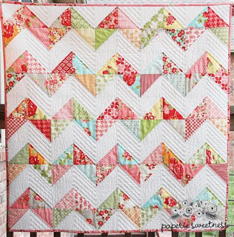 Chevron Quilt Pattern Using Jelly Roll by 1000 Images About Sizzix Quilt Ideas On