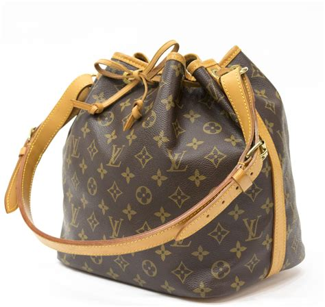 louis vuitton noe pm monogram canvas bucket bag
