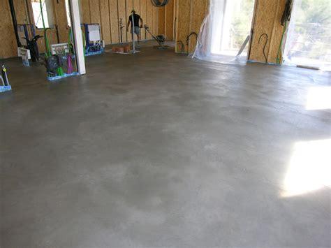 pavimenti in cemento lisciato pavimento in cemento lisciato al quarzo semplice e