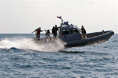 rigid inflatable boat pin us navy rigid hull inflatable boat on pinterest