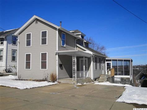 439 clarke dubuque ia 52001 for sale homes