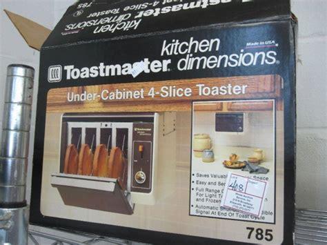 Toastmaster Under Cabinet 4 Slice Toaster