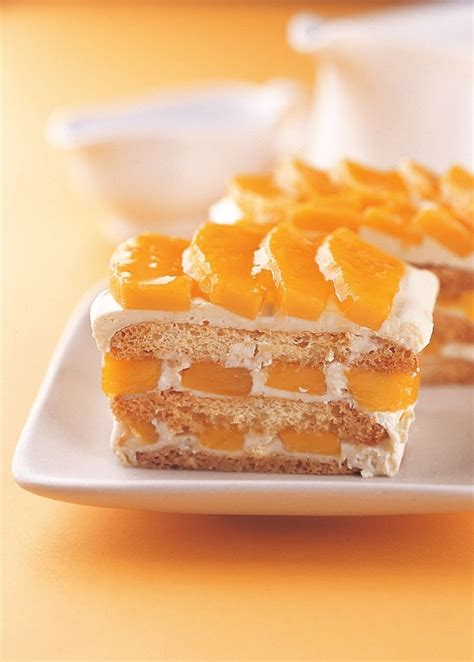mango graham cake my boyfriend loves this it s very easy you just layer graham crackers