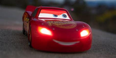 Light Mcqueen by Sphero S Ultimate Lightning Mcqueen Cars Screen Rant