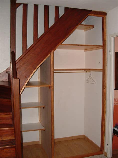 comment faire un placard sous escalier 4497 am 233 nager un rangement sous un escalier