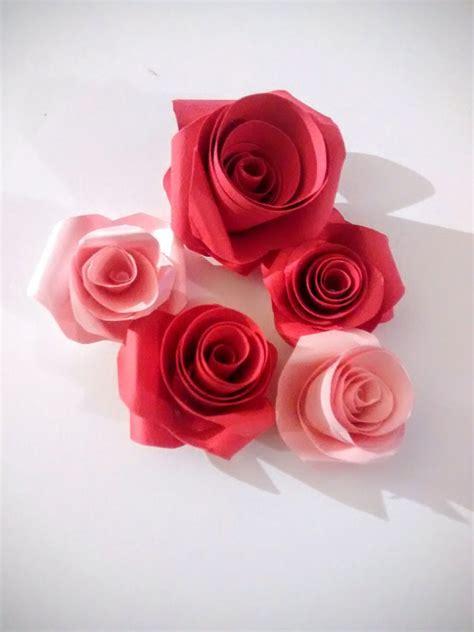 segnaposto con fiori di carta segnaposto decorazione fiori bouquet