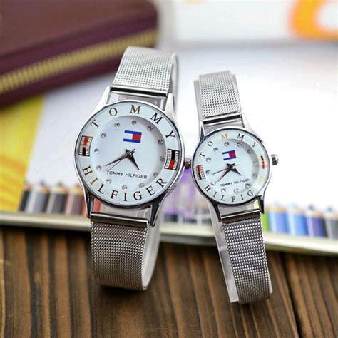 Jam Tangan Golden Stainless Steel Analog Quartz Brace tomi jam tangan analog yq002gi silver