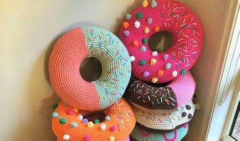 www coatsandclark crafts crochet projects crochet donuts free pattern