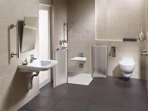 maniglioni per disabili bagno un bagno pi 249 comodo anche per anziani e disabili cose