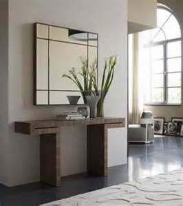 console table design vast tafeltje tegen muur mooi in een moderne inkomhal