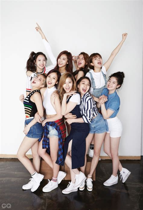 twice onehallyu who have the best butt in twice random onehallyu