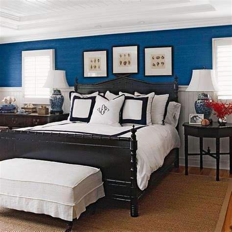Blue Walls In Bedroom | 5 rooms to create with navy blue walls