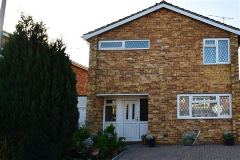 3 bedroom house for sale reading 3 bedroom house for sale galsworthy drive caversham park