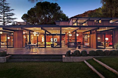 Délicieux Table De Nuit Contemporaine #6: Terrasse-de-nuit-La-Ca_ada-Residence-par-Jamie-Bush-Co.-Sierra-Madre-Usa.jpg