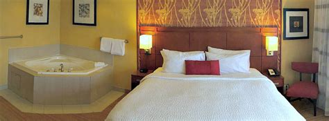 hotels with in room in md maryland tub suites hotel rooms inns with whirlpool tubs