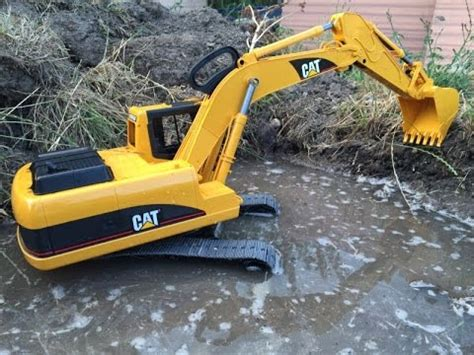 bruder toys cat excavator schaufelbagger grävmaskin pelle