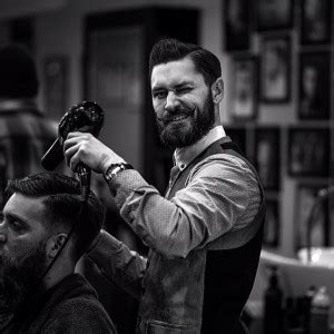7 tips to find a barbershop near you