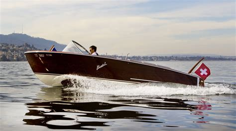 Yacht De Luxe Interieur 4726 by Boesch Boats Wooden Runabout Boats Boating