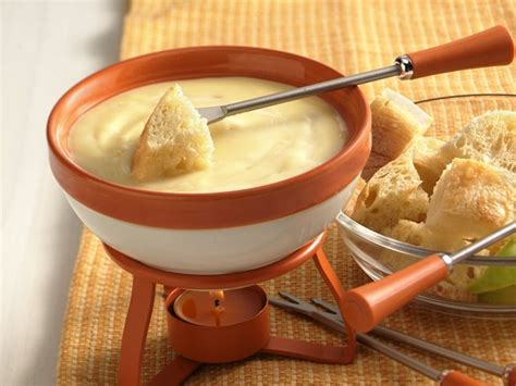 cheese fondue cheese fondue