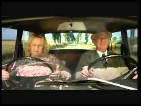 donne al volante divertentissimo scherzo al volante
