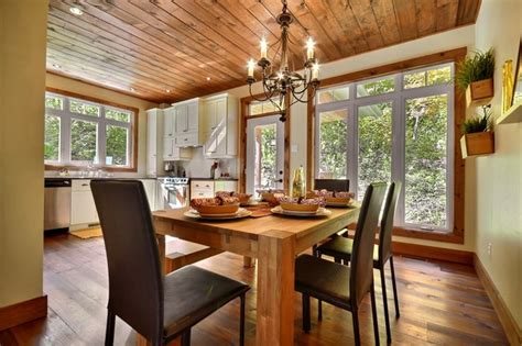 robert zemeckis s rustic dining room by architectural cozy cottage rustic dining room montreal by