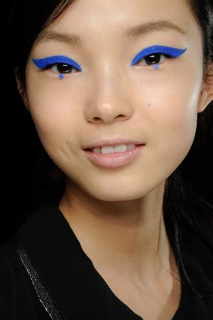Eyeliner Sui fall 2012 trends to try the cosmetic