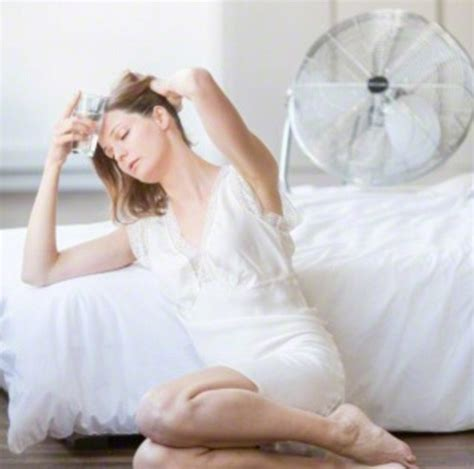fan for your bed expert s top tips to beat the heat at daily
