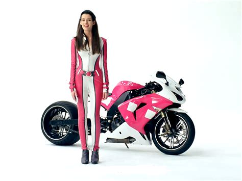 peloton commercial actress name uk video here are t mobile girl carly foulkes really