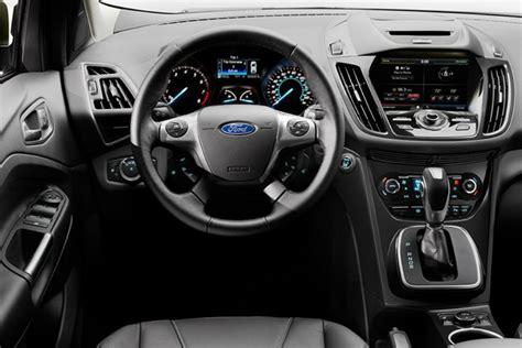 ford kuga 2014 interior ford presenta en argentina el kuga 2 0 ecoboost titanium