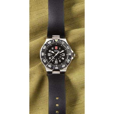 s victorinox 174 swiss army 223596 watches at