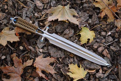 custom dagger file chris reeve custom dagger jpg wikimedia commons