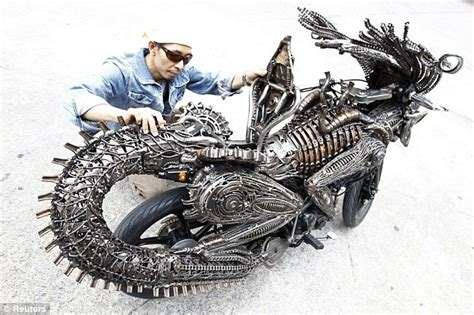 Syari Bycicle amazing sci fi bike made by spare parts like aliean best