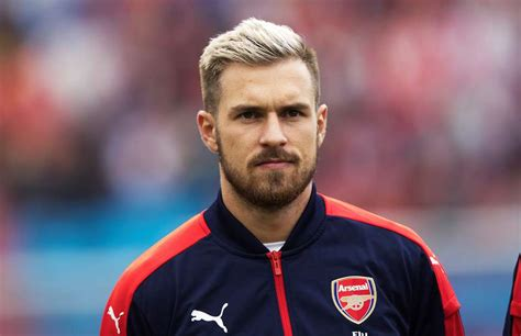 aron ramsey haircut aaron ramsey gets new haircut twitter reacts givemesport