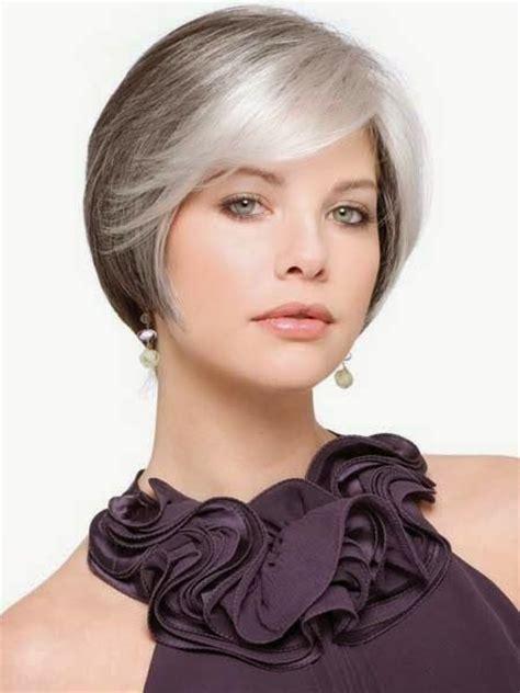 Straigght Fine Graycoming In Of Short Bob Hairstyles For 70 Yr   cortes de pelo corto mujeres jovenes con canas look