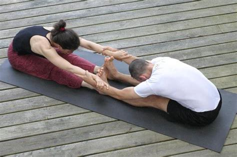 double boat pose 8 yoga poses for partners