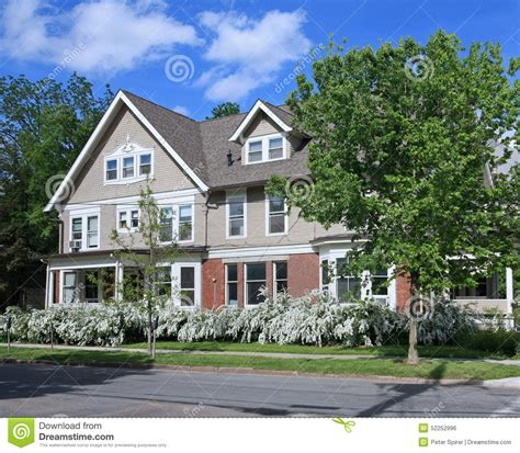 houses with big porches house with large porch stock photo image 52252996