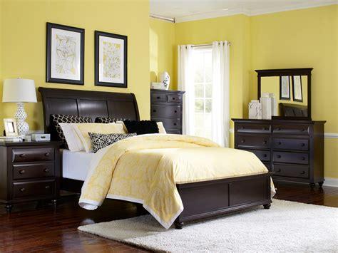 broyhill farnsworth bedroom set broyhill furniture farnsworth king bedroom group becker