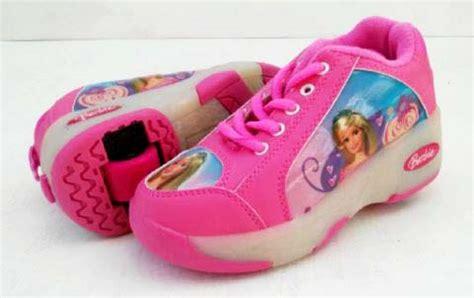 Sepatu Roda Satu sepatu roda anak karakter
