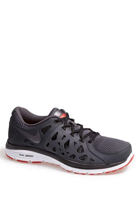 nike dual fusion run 2 running shoe in gray for