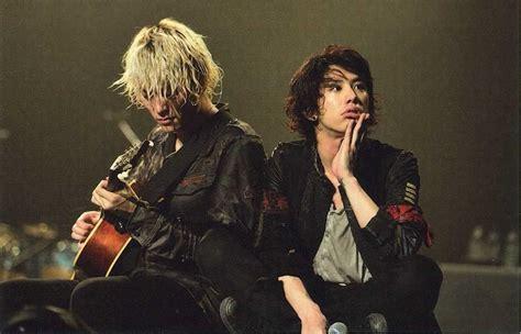 imagenes de toru one ok rock one ok rockギターtoruの髪型 身長 彼女の噂まとめ pinky ピンキ
